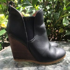 Coach Farah Leather Wedge Booties Womens size 7